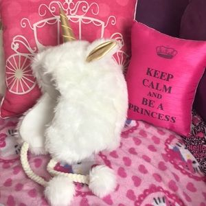 Justice Accessories - Adorable white fuzzy unicorn winter hat
